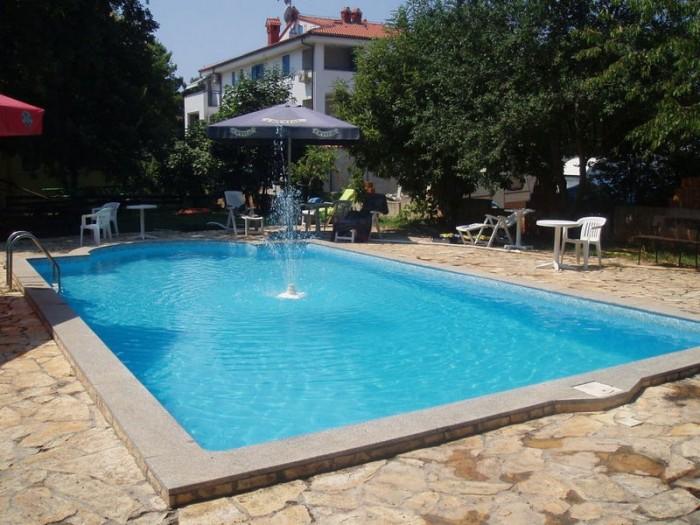 Piscine esterne hotel hilde a medolino istria croazia - Piscine esterne ...